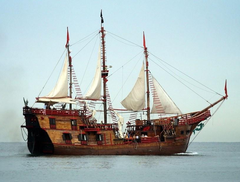 Zabawkowy statek piracki zawstydził jednostki rejsowe /123RF/PICSEL