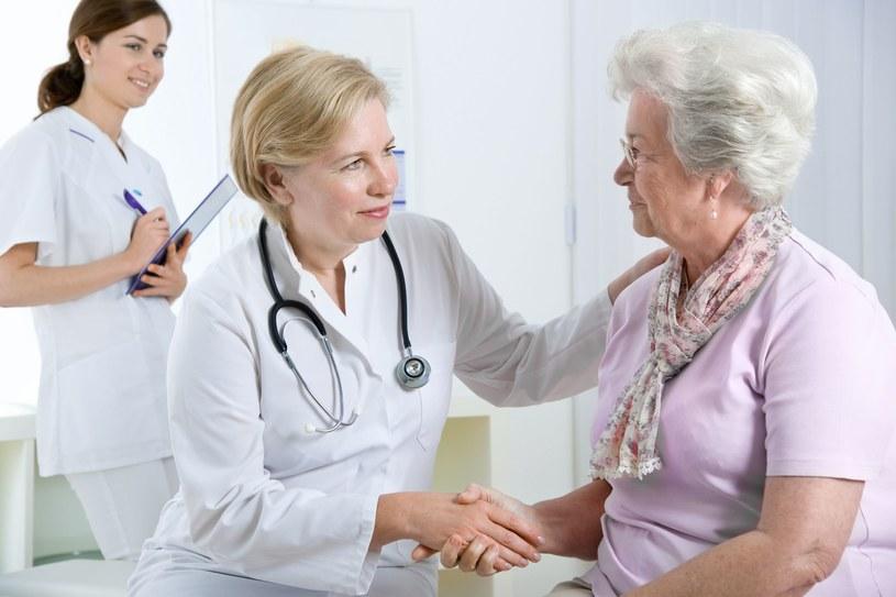 Zabiegi medyczne muszą być wykonywane w takich warunkach, by pacjent czuł się komfortowo /123RF/PICSEL