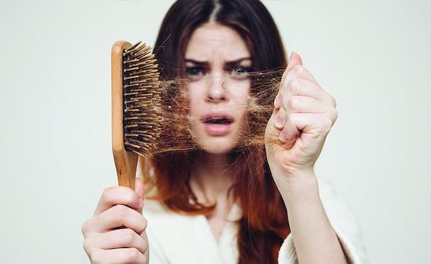 Zabiegi na wypadanie włosów. Na czym polegają?