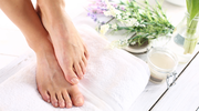 Zabiegi złuszczające skórę stóp