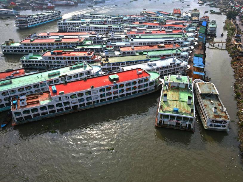 Zablokowany port w Dhace po ogłoszeniu lockdownu /Salim/Xinhua News /East News