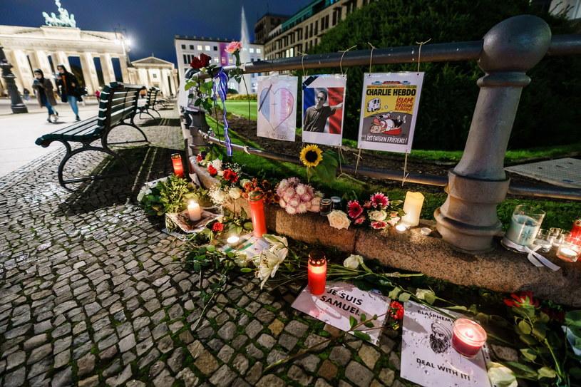 Zabójstwo nauczyciela wstrząsnęło Francuzami /Clemens Bilan /PAP/EPA