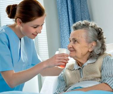Zabraknie pielęgniarek. Niemcy przyjmą każdą liczbę