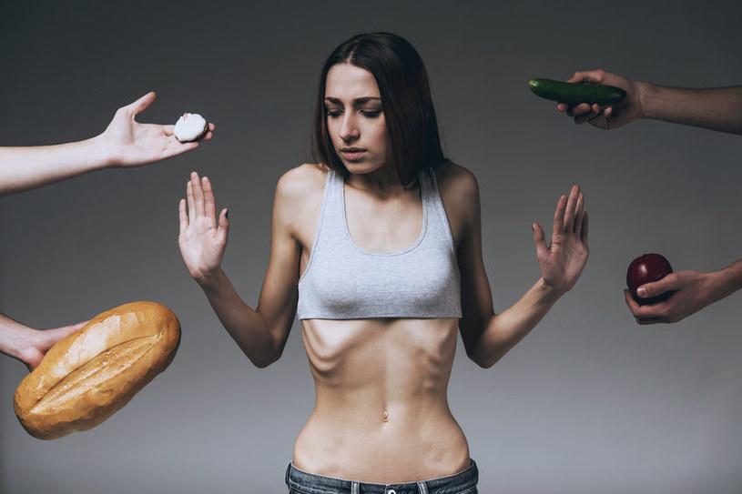 Zaburzenia żywieniowe /©123RF/PICSEL