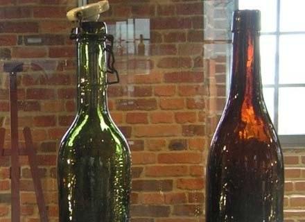 Zabytkowe butelki to gratka dla birofilów... /INTERIA.PL