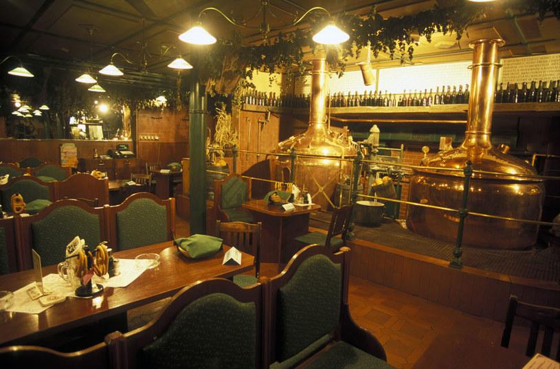 Zabytkowe restauracje w centrum /©123RF/PICSEL