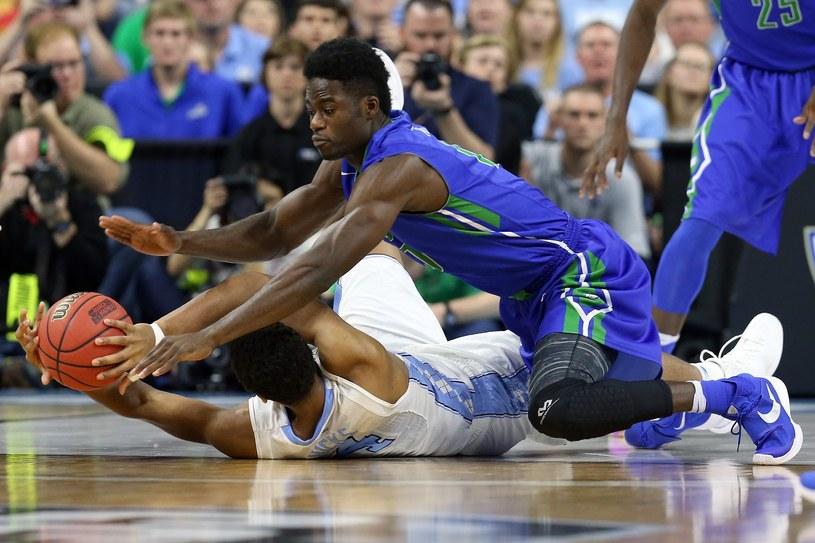 Zach Johnson (na niebiesko) /AFP