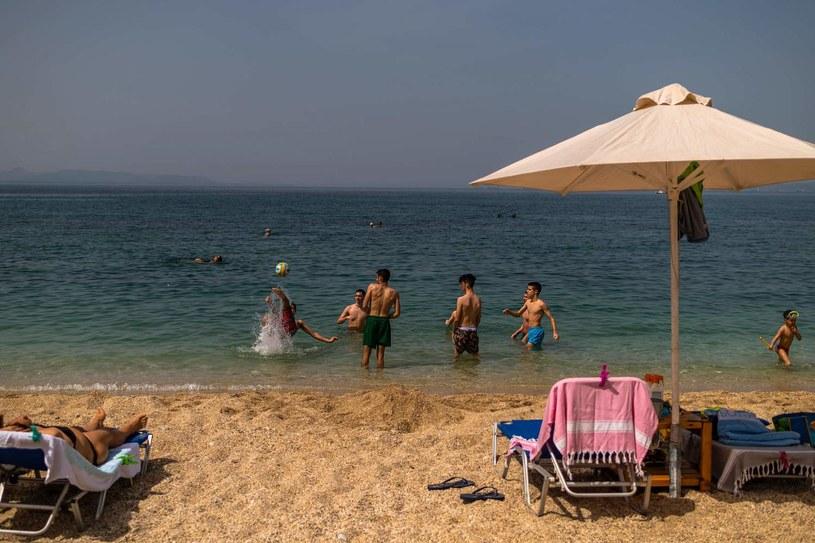 Zachętą dla wakacji w Polsce dla sporej grupy osób będzie możliwość skorzystania z bonu turystycznego o wartości 500 zł do wykorzystania tylko w kraju /AFP