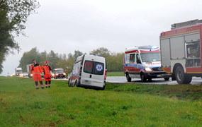 Zachodniopomorskie: Karetka zderzyła się z busem
