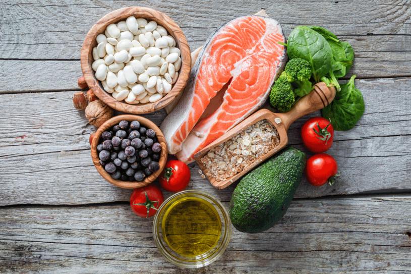 Zacznij od zdrowiej diety /123RF/PICSEL