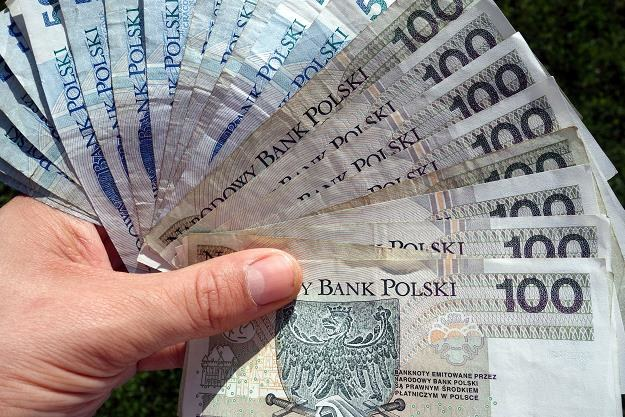 Zaczynamy konsumować zbyt dużo importowanych dóbr i przejadać wyższe dochody /©123RF/PICSEL