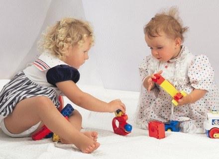 Zadbaj o bezpieczeństwo dziecka w domu /ThetaXstock