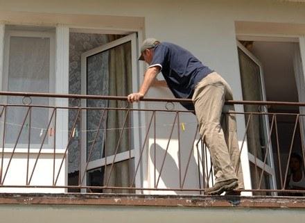 Zadbaj o bezpieczeństwo mieszkania podczas twojej nieobecności