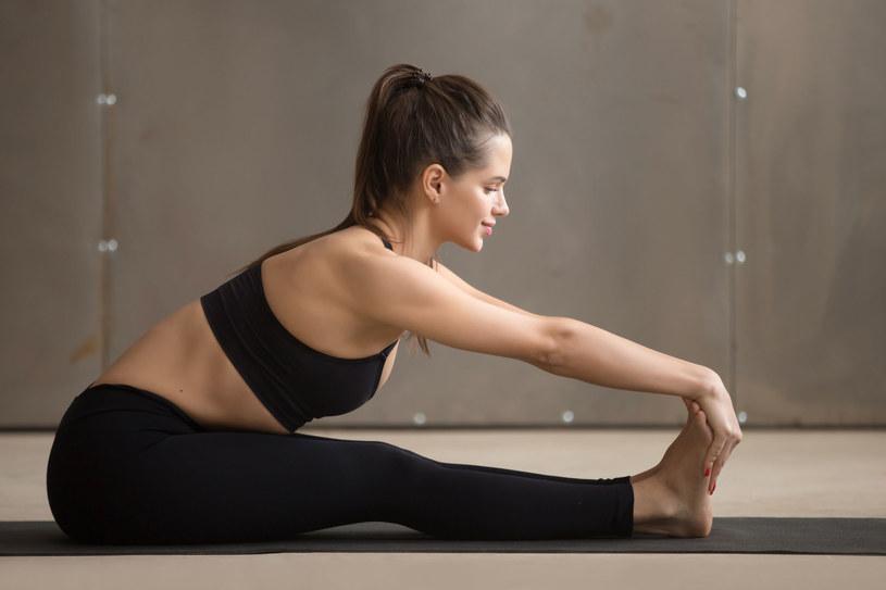 Zadbaj o kondycję kolan, szczególnie jesienią i zimą /123RF/PICSEL