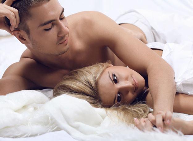 Zadbaj o miłą atmosferę w sypialni /123RF/PICSEL