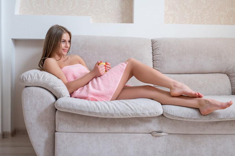 Zadbaj o partie ciała które stają się mniej sprężyste /123RF/PICSEL