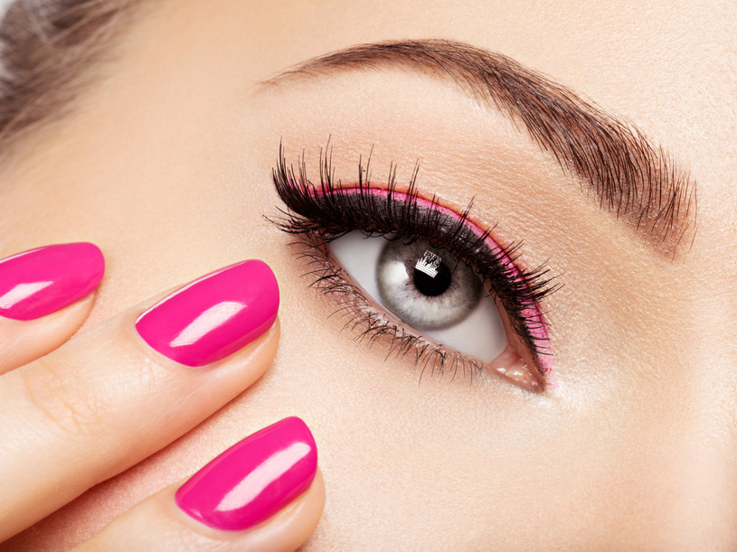Zadbane dłonie, to nie tylko atrybut kobiecości, coraz częściej paznokcie stanowią element naszego wizerunku /123RF/PICSEL