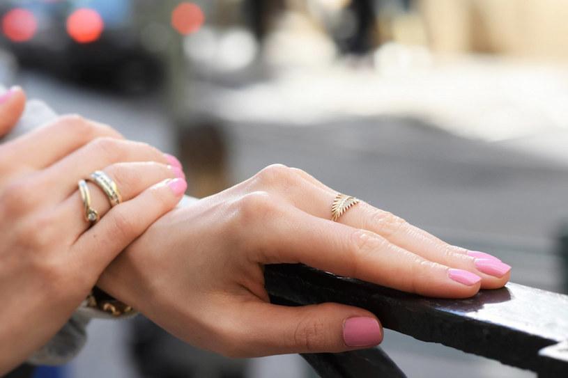 Zadbane dłonie to wizytówka każdej kobiety /Fashionable.com.pl /&nbsp