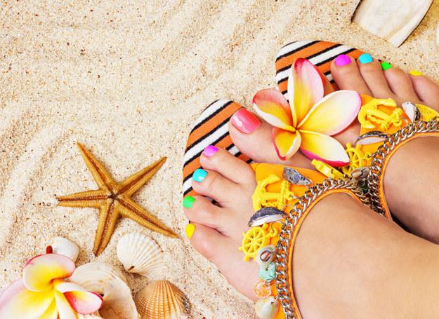 Zadbane stopy dodadzą ci pewności siebie podczas wakacji /123RF/PICSEL