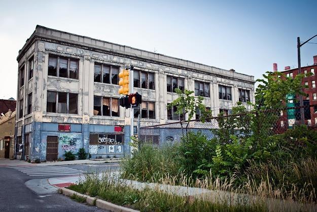 Zadłużone Detroit obetnie pensje urzędnikom /©123RF/PICSEL