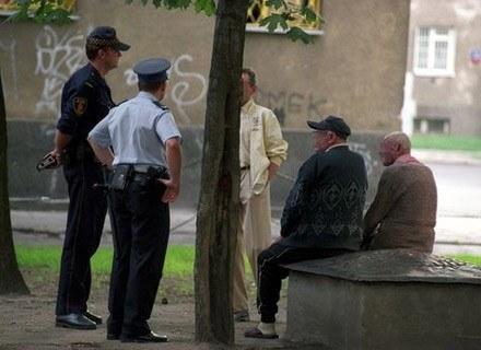 Żadne zakłócanie spokoju panie władzo, ot tak sobie gawędzimy z kolegami. / Fot. Wojciech Traczyk /Agencja SE/East News