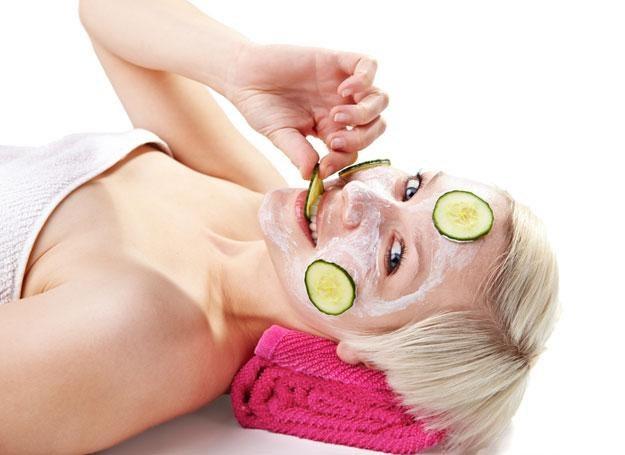 Zafunduj sobie seans z maseczką na twarzy i maską na ciele /© Panthermedia