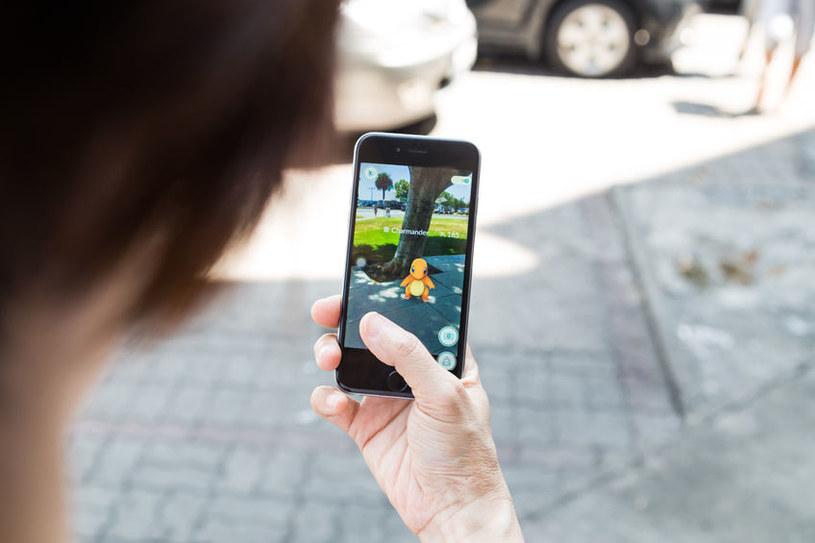Zainteresowanie internautów budziła też gra Pokemon Go /123RF/PICSEL