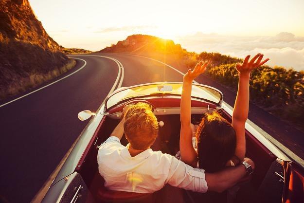 Zainteresowanie kredytami wiąże się m.in. z planowanymi wyjazdami na wakacje /©123RF/PICSEL