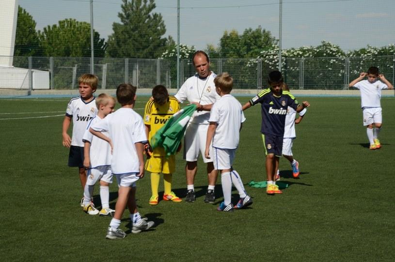 Zajęcia prowadzą trenerzy młodzieżowych grup Realu Madryt /Informacja prasowa