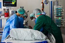 Zajęte łóżka i respiratory. Raport Ministerstwa Zdrowia z 9 kwietnia