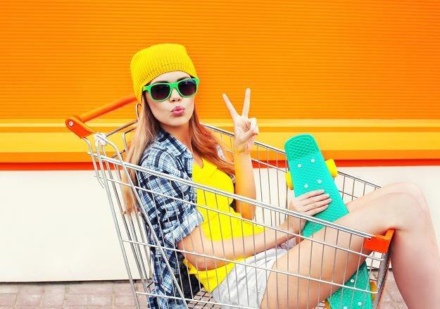 Zakaz handlu w niedziele zadecydował o spadku sprzedaży detalicznej w kwietniu? /©123RF/PICSEL