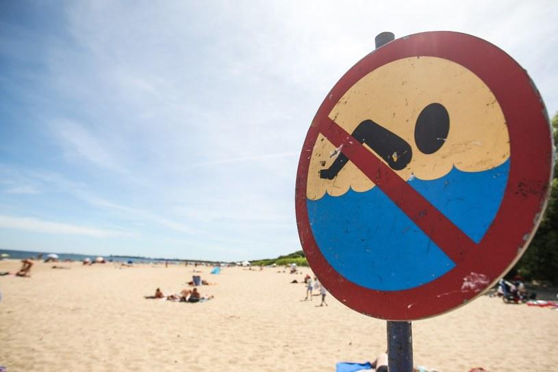 Zakaz kąpieli na plaży w Jelitkowie /Piotr Hukało /East News