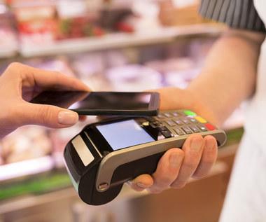 Zakaz płatności gotówką w sklepie. Czy to legalne?