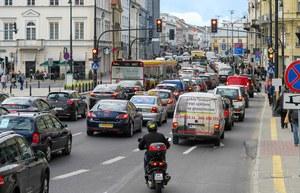 Zakaz wjazdu do centrum miast. Czysty transport, czysta fikcja