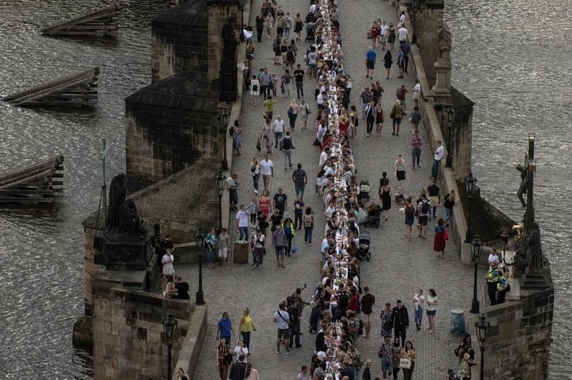Zakażenia najbardziej rozprzestrzeniają się w Pradze /MICHAL CIZEK /AFP