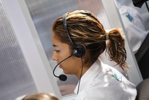 Zakłócenia rozmów szczególnie przeszkadzają pracownikom call center Fot. Carlos Chavez /stock.xchng