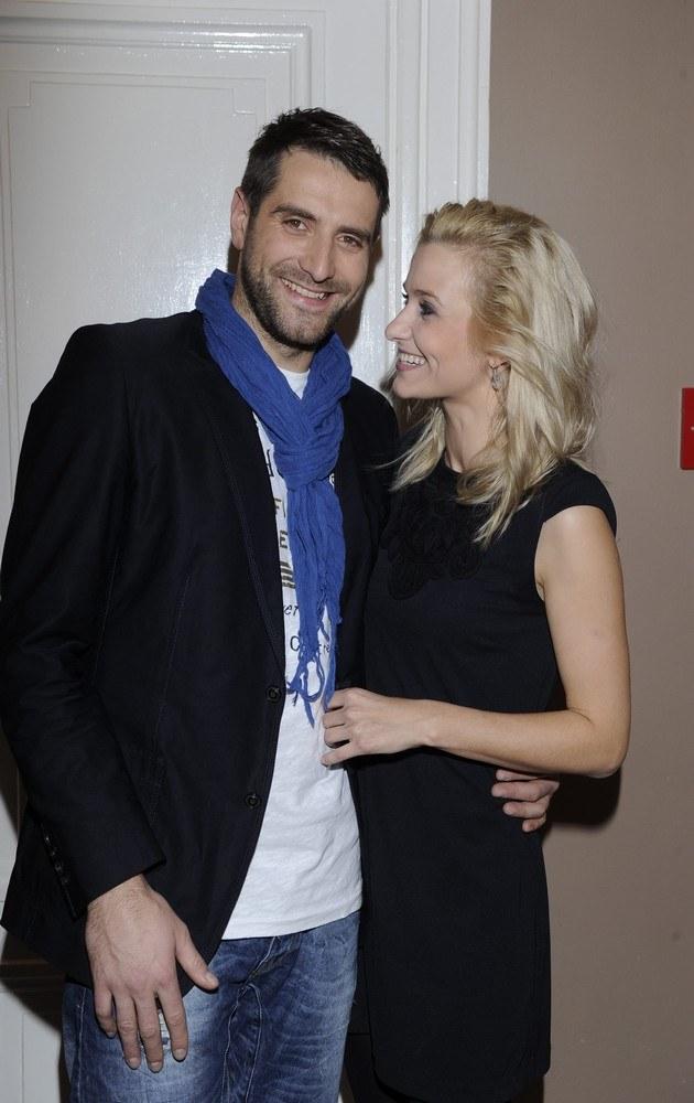 Zakochani Joasia i Maciek /- /MWMedia