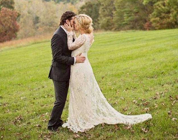 Zakochani państwo młodzi: Kelly Clarkson i Brandon Blackstock /oficjalna strona wykonawcy