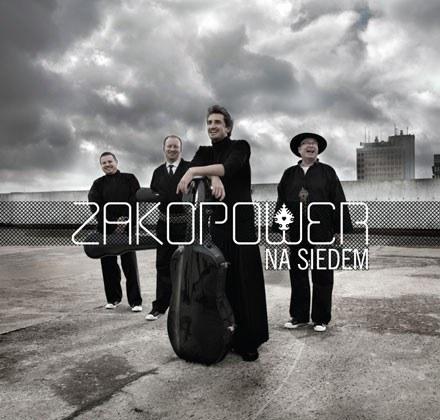 """Zakopower na okładce """"Na siedem"""" /"""