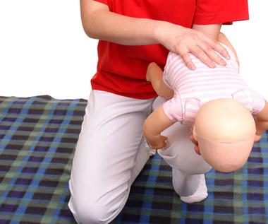 Zakrztuszenia niemowląt - pierwsza pomoc