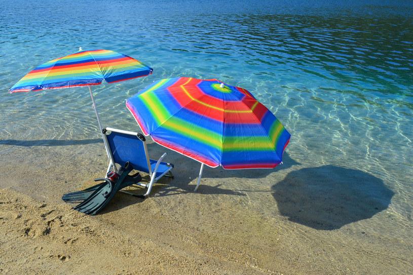 Zakup akcesoriów plażowych trzeba koniecznie dobrze przemyśleć! /123RF/PICSEL