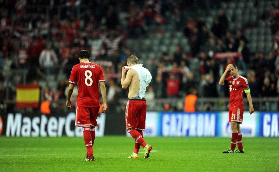 Załamani gracze Bayernu /Tobias Hase /PAP/EPA