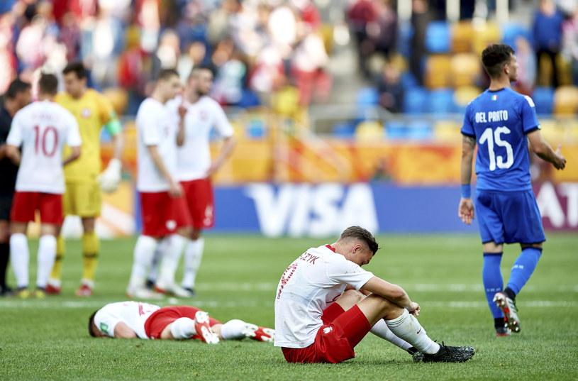 Załamani Polacy po porażce z Włochami /Adam Warżawa /PAP