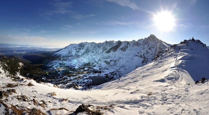 Załamanie pogody w Tatrach. Spadł śnieg /Adrian Gladecki /Reporter