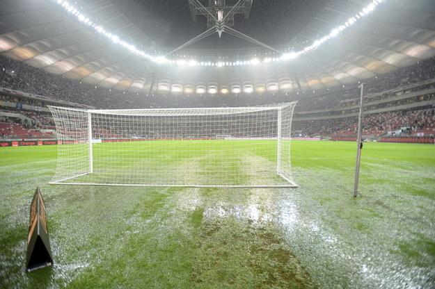 Zalane boisko na Stadionie Narodowym przed meczem z Anglią /Bartłomiej Zborowski /PAP