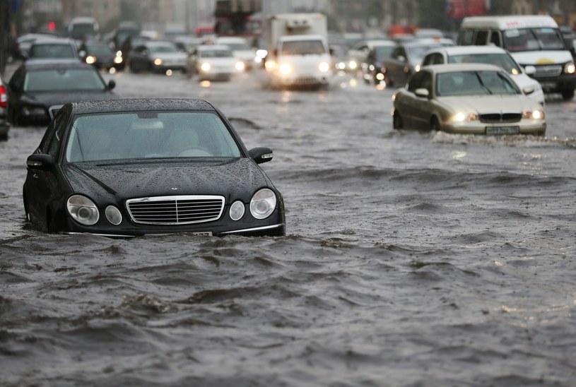 Zalane ulice w Moskwie /PAP/EPA