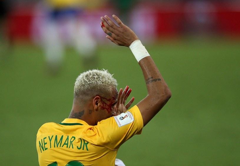 Zalany krwią Neymar /AFP