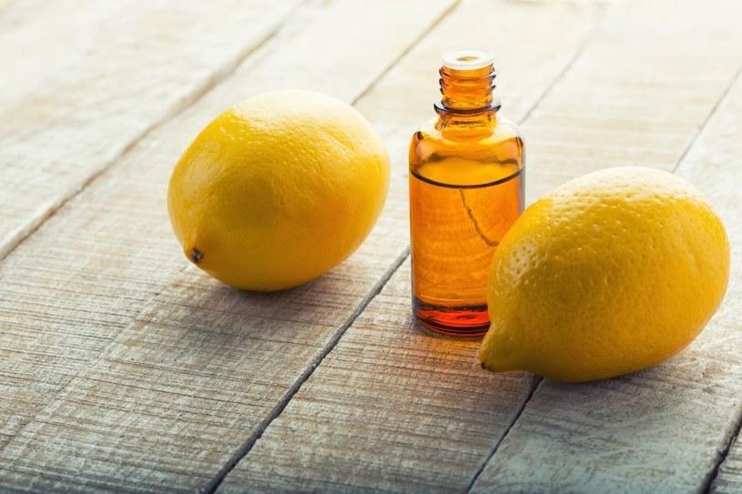 zalety olejku cytrynowego /© Photogenica