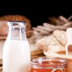 Zalety picia mleka z miodem