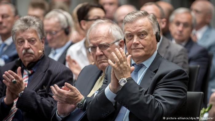 Założyciele berlińskiego think tanku: Peter Wolfgang Schulze (z lewej), Walter Schwimmer (w środku) i Władimir Jakunin /Deutsche Welle